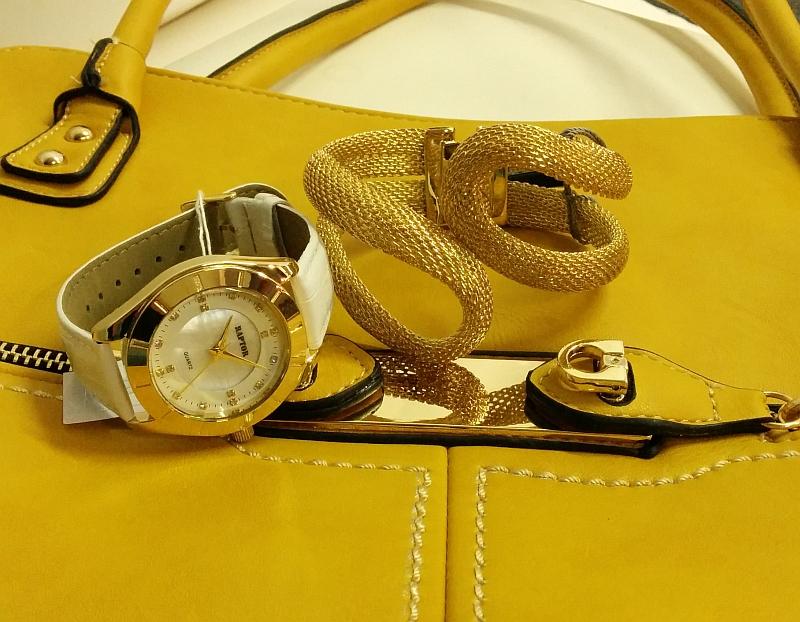 Damenhandtasche mit Raptor Damenarmbanduhr und goldfarbenes Armband im Style Trend 2014